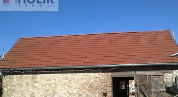 Rekonstrukce střechy v okolí Brna.
